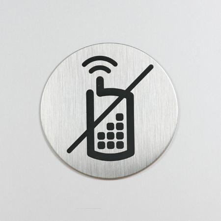Bruk av mobiltelefon forbudt